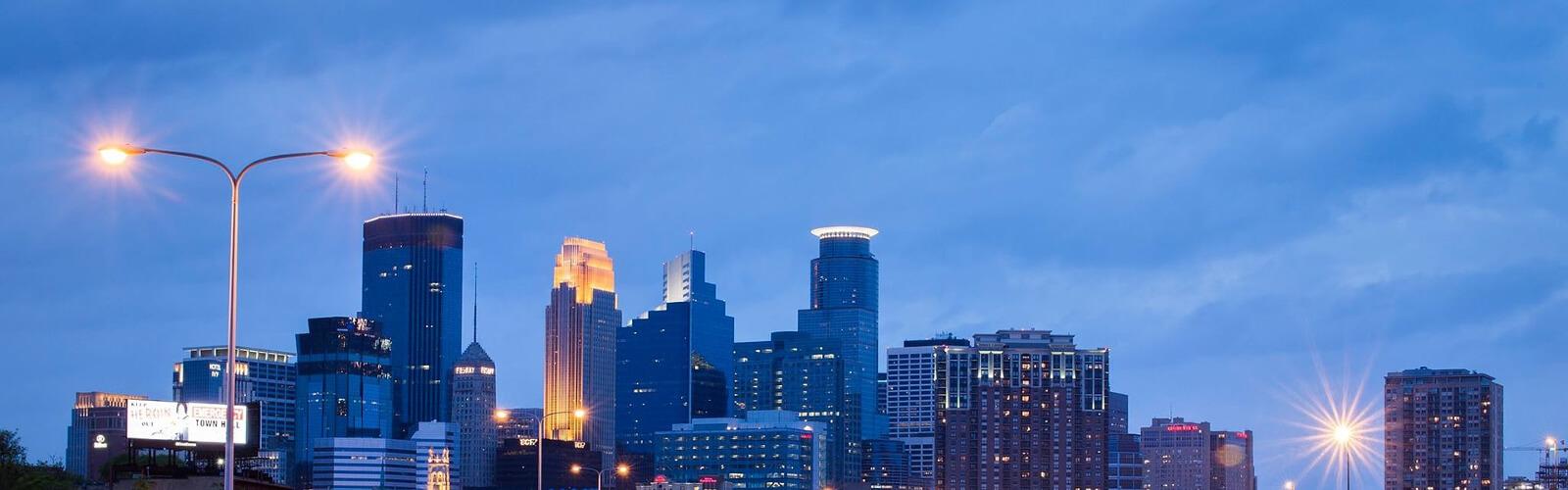 Minneapolis Private Car Service Black Car Service Sixt Mydriver